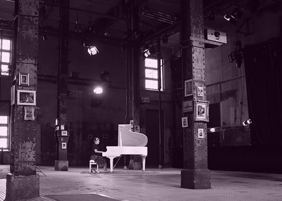 Picture_Header_Piano